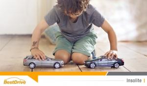 Mercedes-Benz met des enfants en colère pour promouvoir son système anticollision