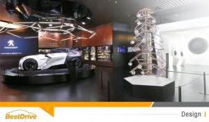 Magie de Noël au showroom Peugeot Avenue : exposition Fractal Concept & Art Toys Léo'z