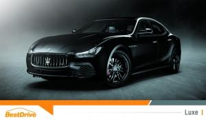 Maserati met le noir à l'honneur avec la Ghibli Nerissimo