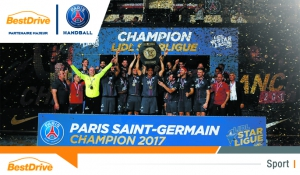 Le Paris Saint-Germain Handball reçoit officiellement le trophée du championnat de France