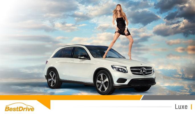 BestDrive - Doutzen Kroes prend la pose pour Mercedes