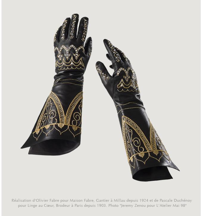 """Les gants du film """"La Belle et la Bête"""" de Jean Cocteau"""