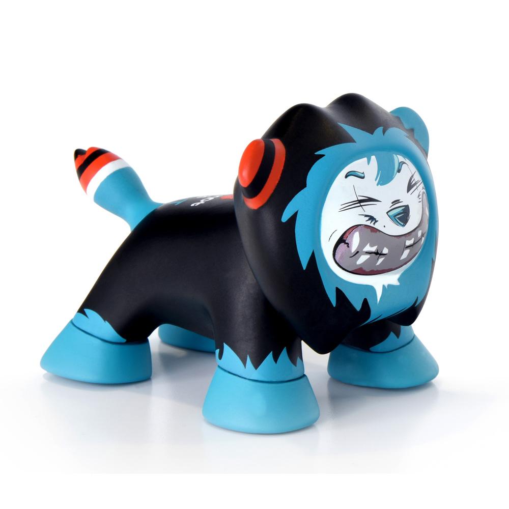 Best Art Toys : Magie de noël au showroom peugeot avenuebest