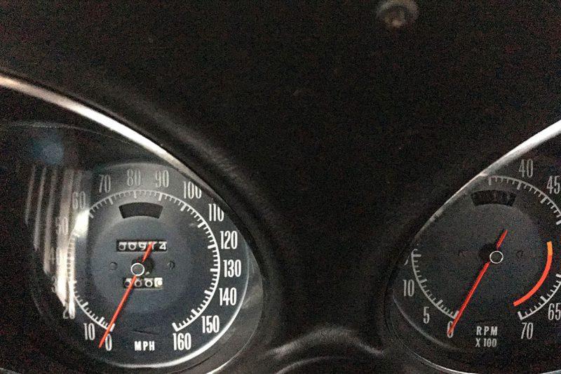 Chevrolet Corvette 454 de 1972 : le compteur affiche 974 miles