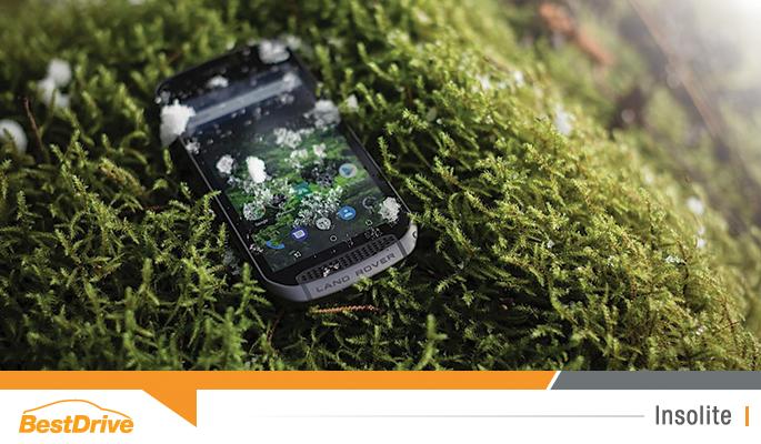 BestDrive - Land Rover Explore, le smartphone taillé pour l'aventure